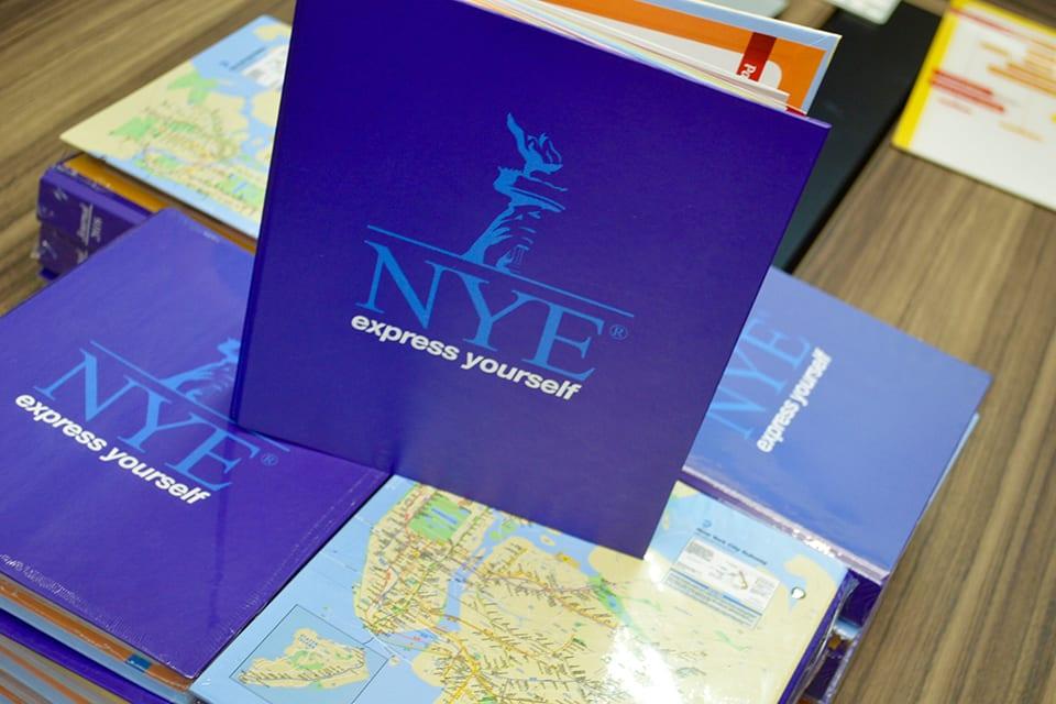 The NYE Handbook livro de inglês