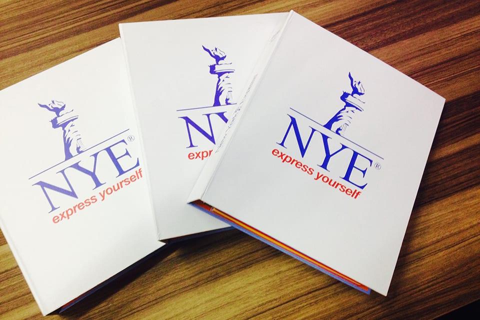 The NYE Handbook para aulas de inglês